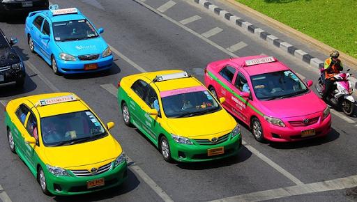 từ sân bay suvarnabhumi vào trung tâm bangkok bằng taxi