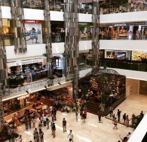 không thể bỏ qua các khu trung tâm thương mại lớn nhất ở tphcm
