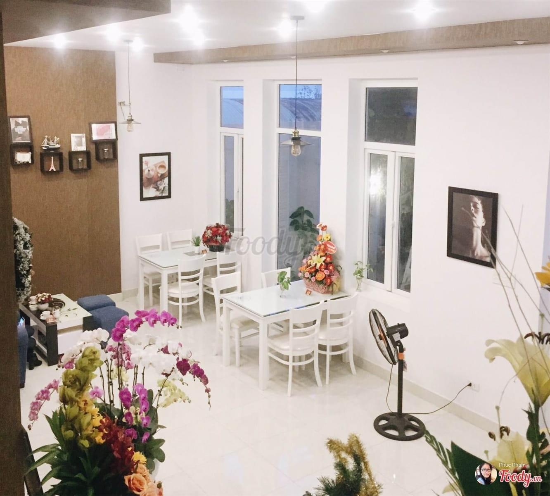 dn-8-quan-cafe-background-ton-sur-ton-don-tim-cac-tin-do-song-ao-17