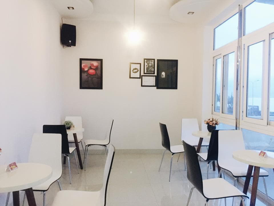 dn-8-quan-cafe-background-ton-sur-ton-don-tim-cac-tin-do-song-ao-19