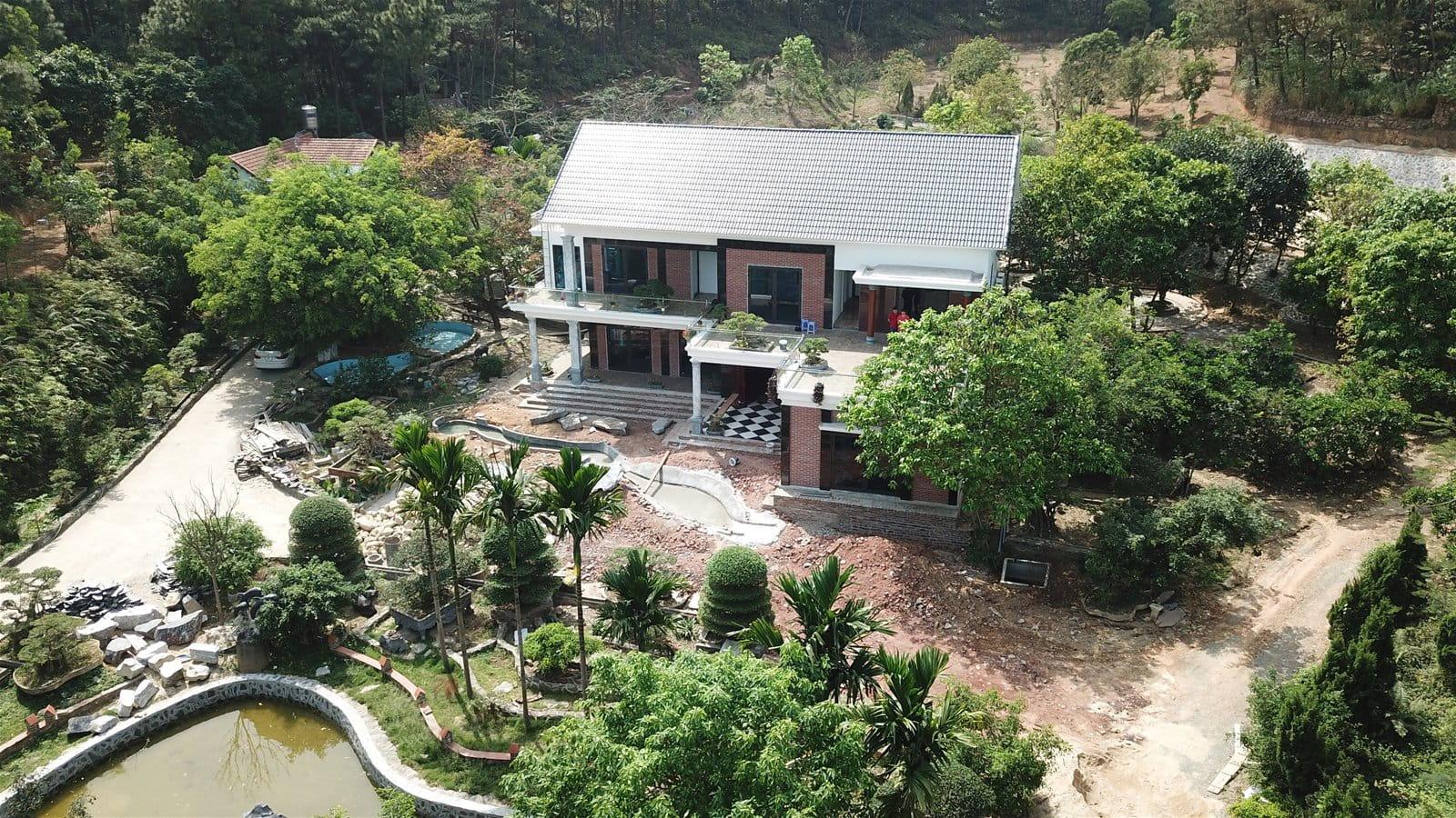don-he-hoan-hao-tai-khu-resort-giua-rung-thong-xanh-trong-lanh-sat-xit-ha-noi-2
