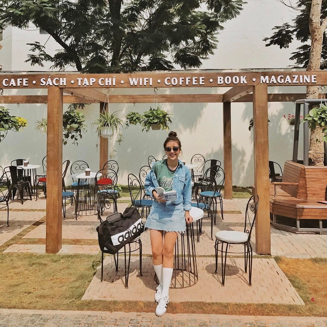 mach-nuoc-ca-loat-diem-chup-anh-song-ao-ootd-chat-lu-quanh-ha-noi-18