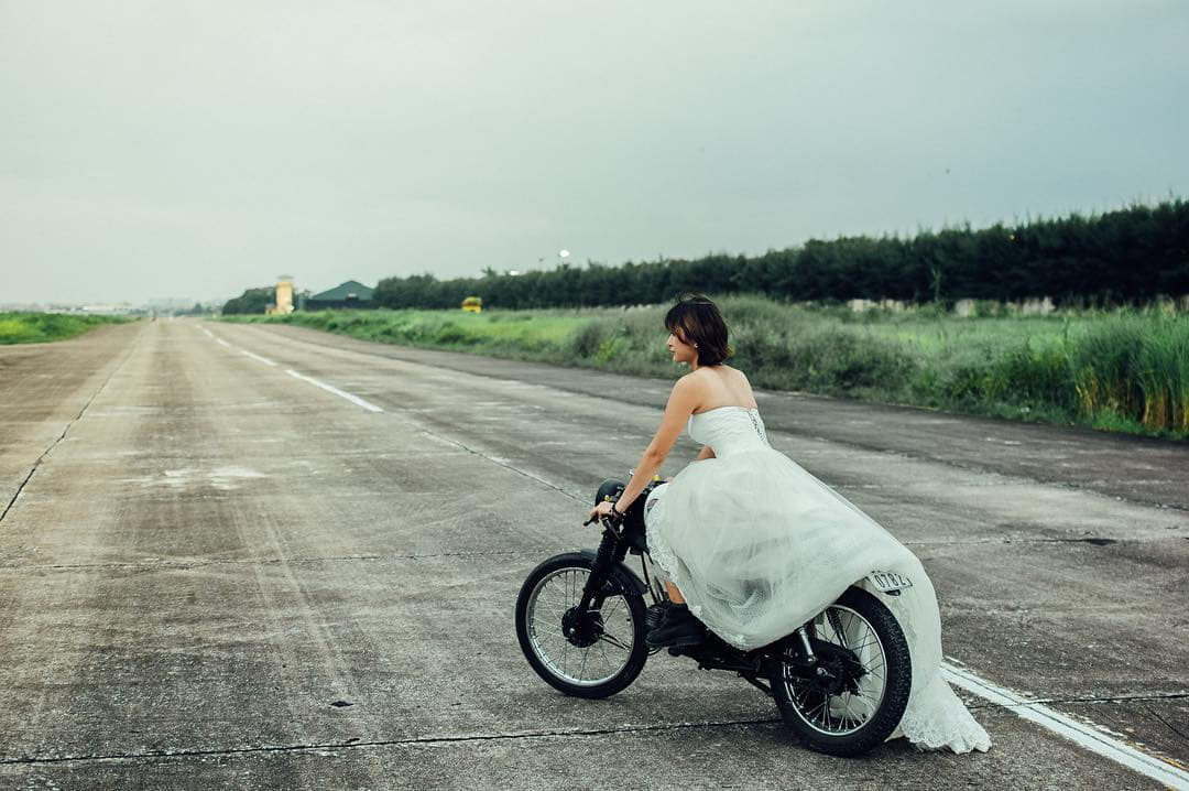 mach-nuoc-ca-loat-diem-chup-anh-song-ao-ootd-chat-lu-quanh-ha-noi-10