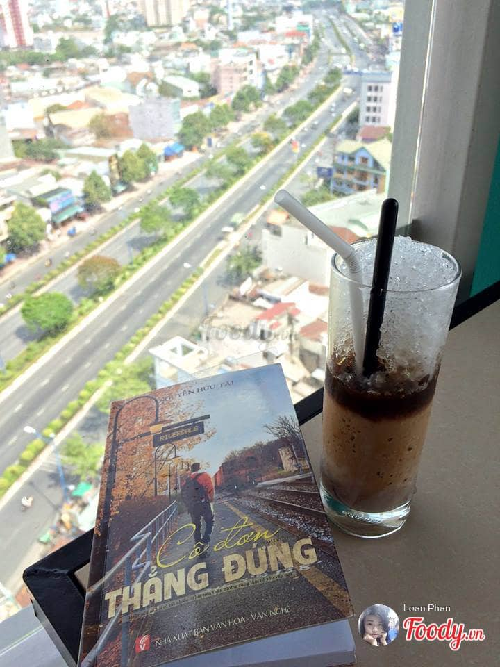 nhung-quan-cafe-san-thuong-ngam-may-bay-o-sai-gon-12