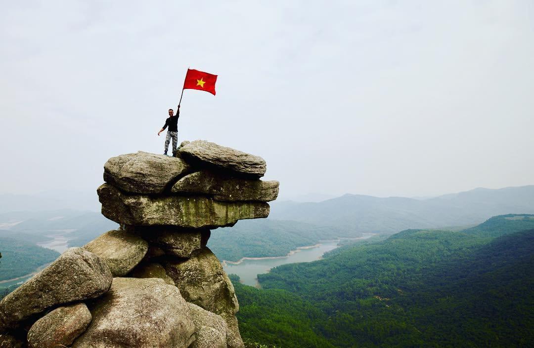 om-tim-hoc-kinh-nghiem-trekking-nui-da-chong-doc-nhat-viet-nam-ai-cung-muon-thu-14