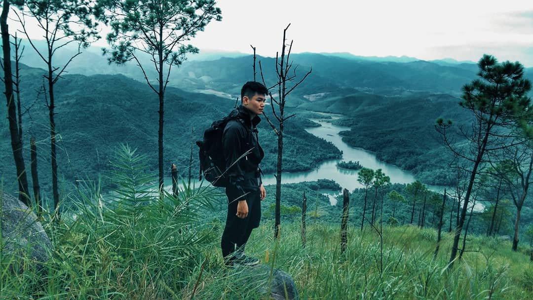 om-tim-hoc-kinh-nghiem-trekking-nui-da-chong-doc-nhat-viet-nam-ai-cung-muon-thu-15