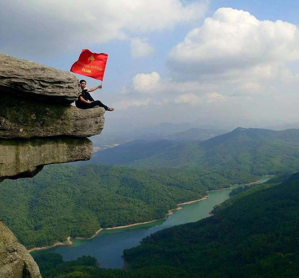 om-tim-hoc-kinh-nghiem-trekking-nui-da-chong-doc-nhat-viet-nam-ai-cung-muon-thu-6